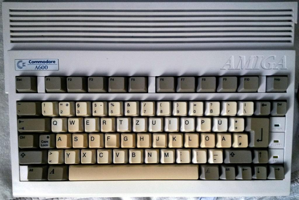 guter Zustand aber vergilbte Tastatur...